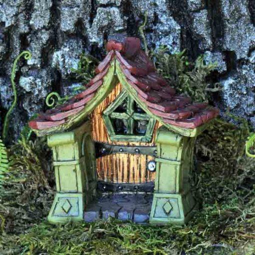 Oblúkovité dvere k domčeku víl