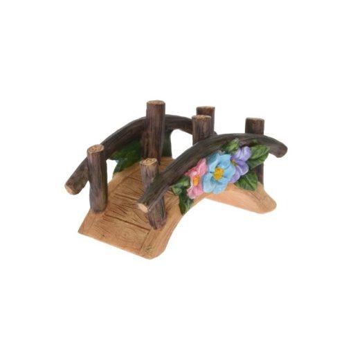 Most s kvetinovou výzdobou